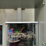 Кроссовый шкаф после кабельной организации